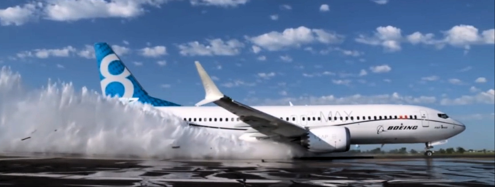 737 MAX Water spray testing
